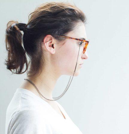 VONERNST Glieder-Brillenkette Antik-Silber Fotoshooting mit Model Anna